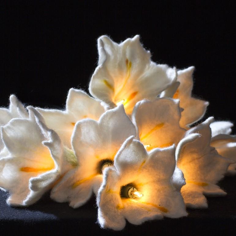 Lilien-Lichterkette